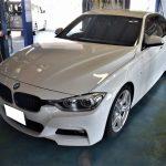 BMW(F30) 320iMスポーツのフロントドアを取替しました。板金塗装 多可町